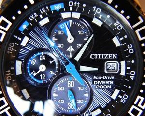 Zooming in on dial face of best dive watch under 500 dollars